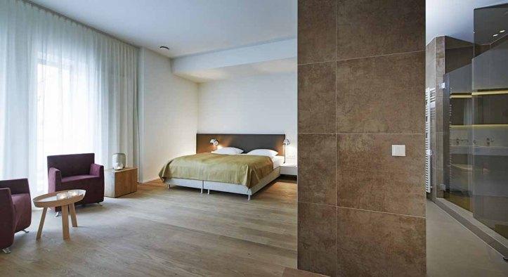 Weinstrasse - Weinhaus Henninger - Zimmer