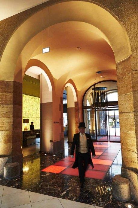 Hotel Steigenberger Leipzig: Lobby Eingangsbereich