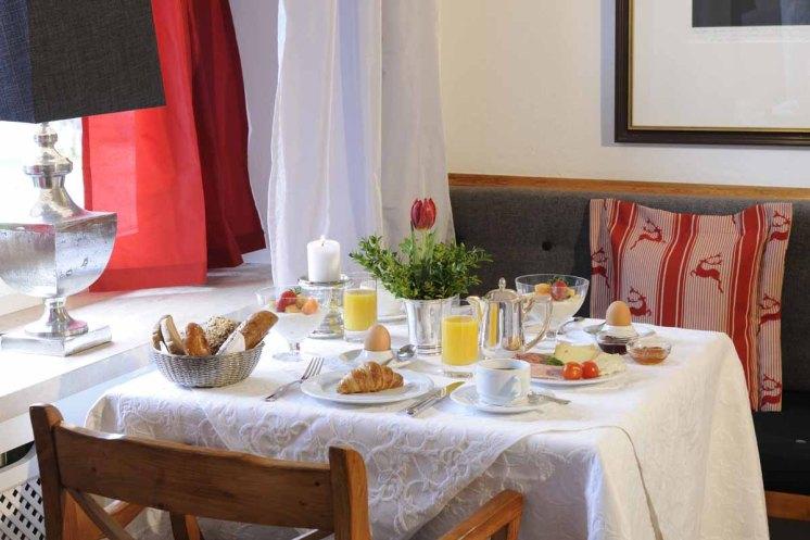 Tegernsee - Relais Chalet Wilhelmy - Schlemmerei Restaurant Fruehstueck