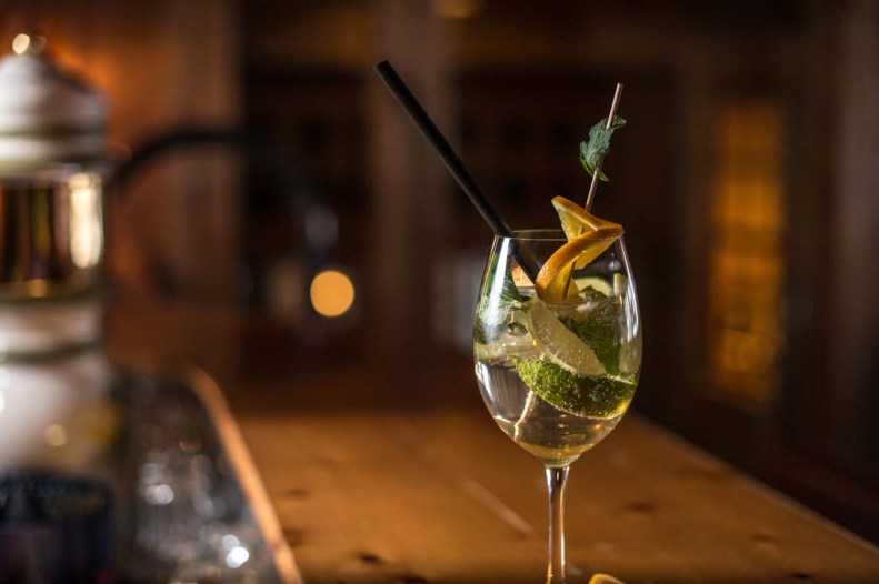 Alpenclub-Gadae-Bar-Drink