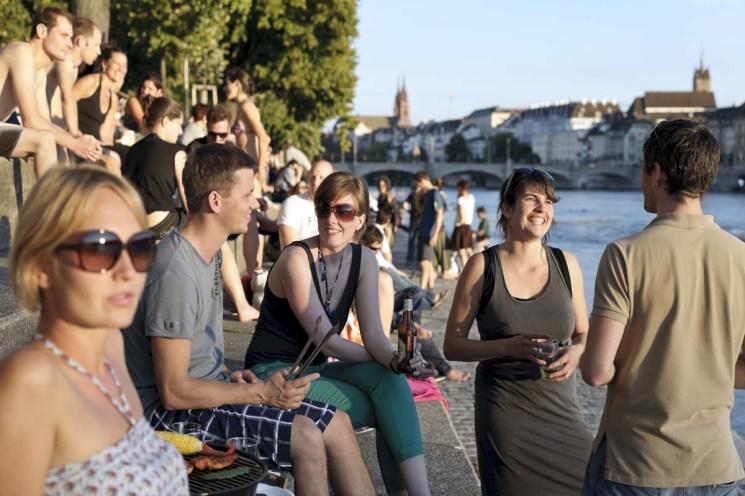 Die Kleinbasler Riviera: Wer will da noch in den Süden? (Foto: Basel Tourismus)