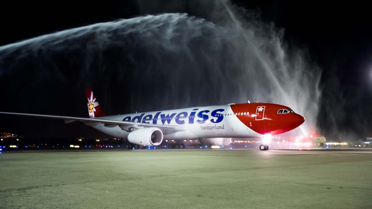 Flugzeugtaufe bei der Landung des Erstflugs in Rio de Janeiro