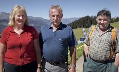 Doris und Pius Reichmuth (l.) und Hans Erhard