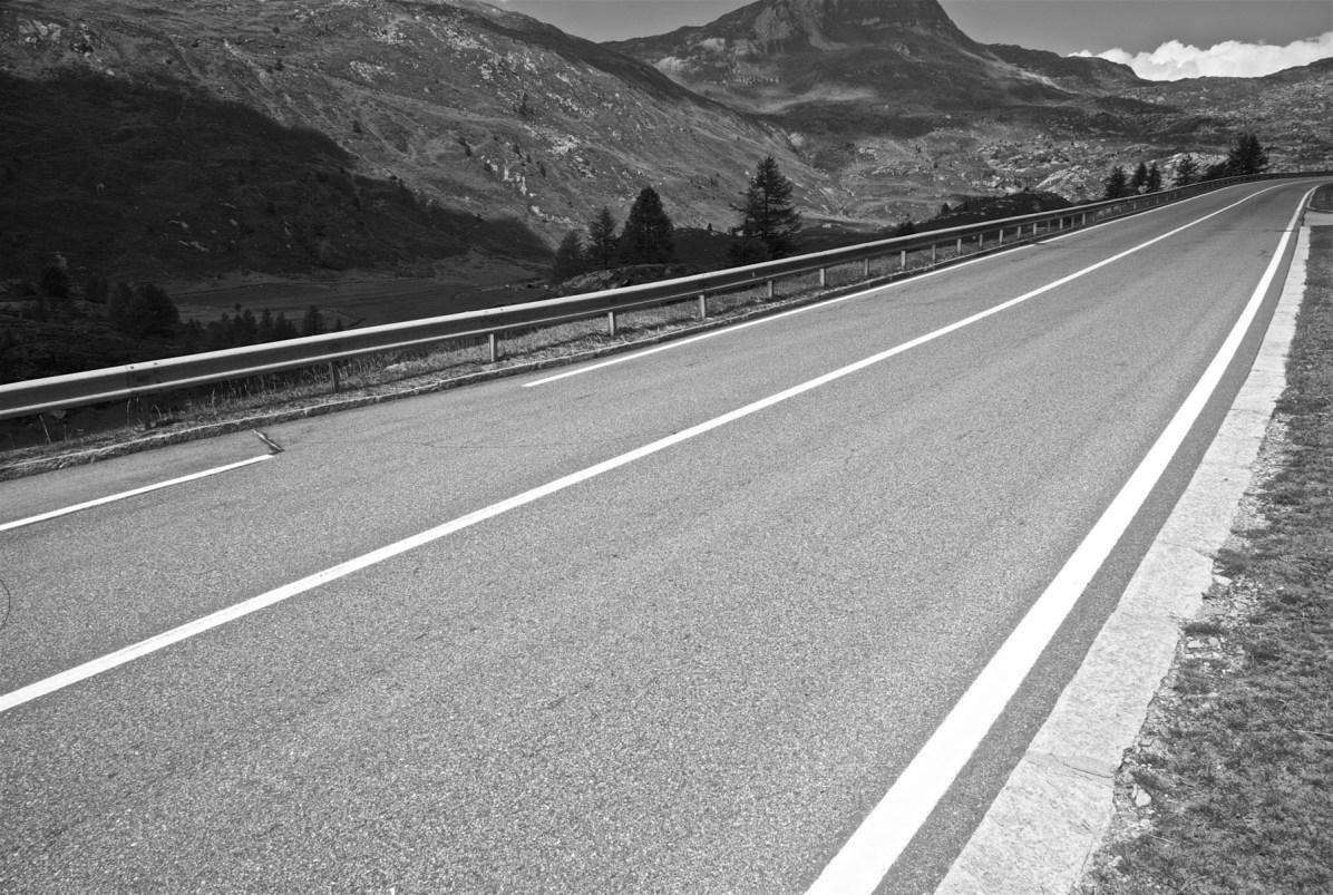 Maenner Motorrad Wochenende Schweiz Alpen 03