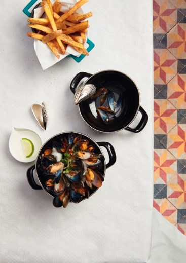 Moules et Frites_Bistronomie_ photo by Mövenpick Hotels & Resort