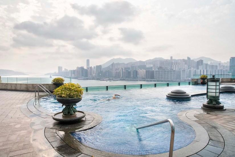 Hong Kong Tipps 24 Stunden Hotel Restaurant Aktivitaeten Pool mit Aussicht