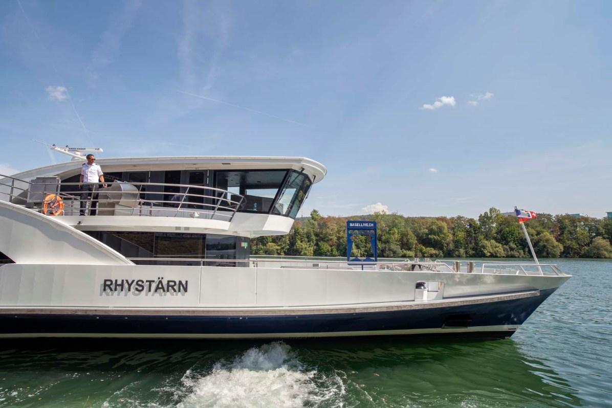Basel Schifffahrt Rhystaern Schleusenfahrt 39