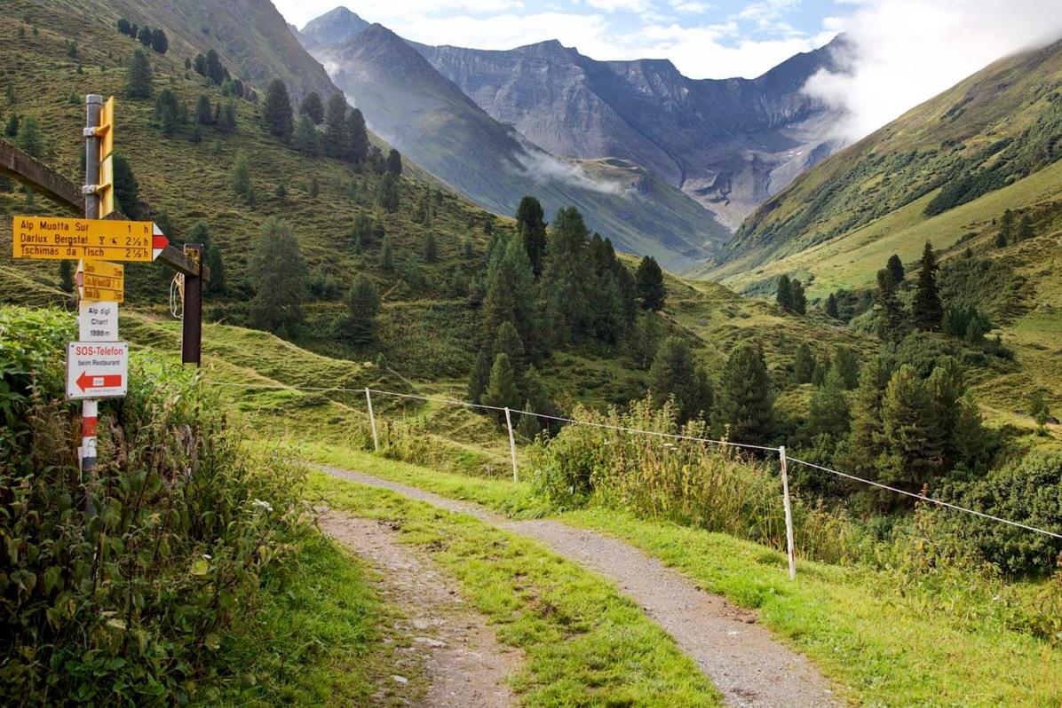 Kesch Trek Fernwanderung von Davos nach Berguen Weg