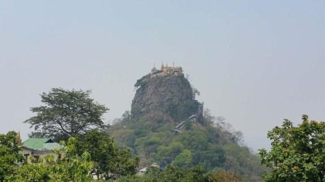 Der in der Region Bagan bekannte Tempel auf dem Mount Popa.