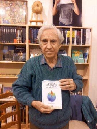 À Chambéry, avec son livre en espagnol