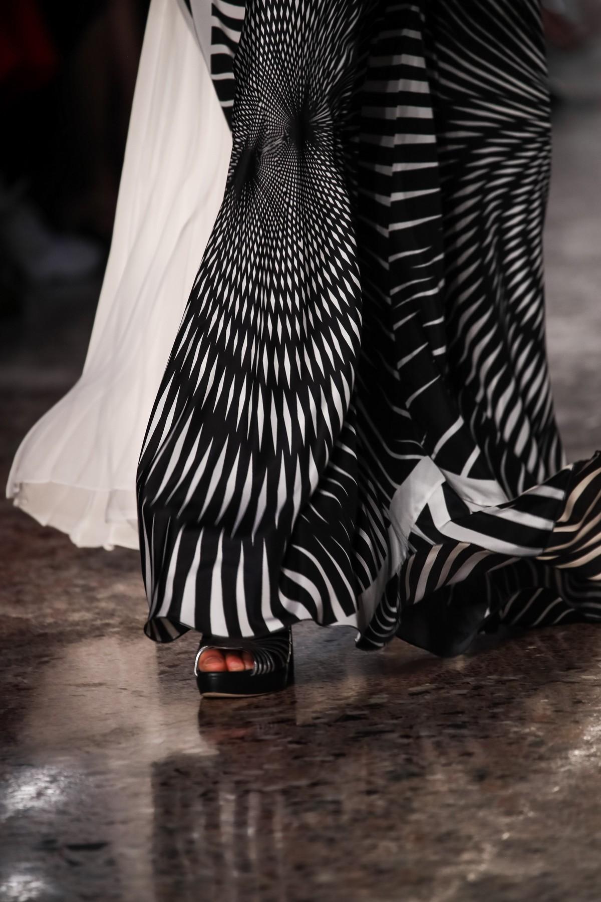 Alberta Ferretti collezione Resort 2019 sfilata  Limited Edition  foto