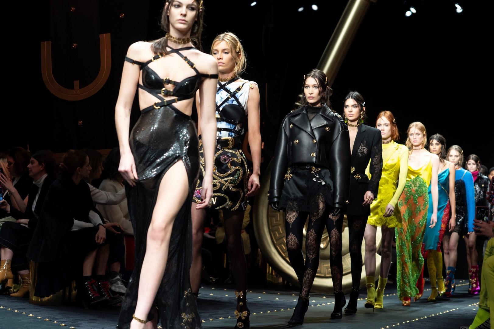 Versace Donna autunno inverno 2019   sfilata   collezione