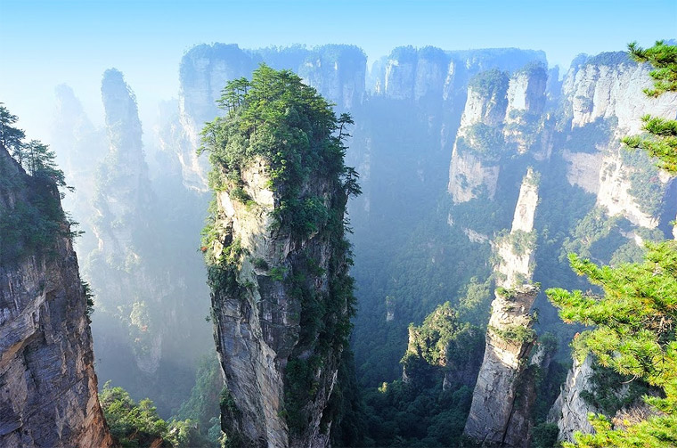 Split Pinnacles, China