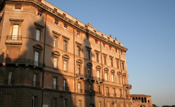 early-evening-shadow-in-rome