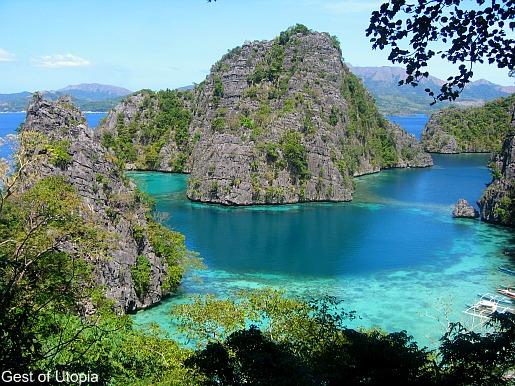 The breathtaking Kayangan Lake in Coron, Palawan (photo credit: gesttoutopia.blogspot.com)