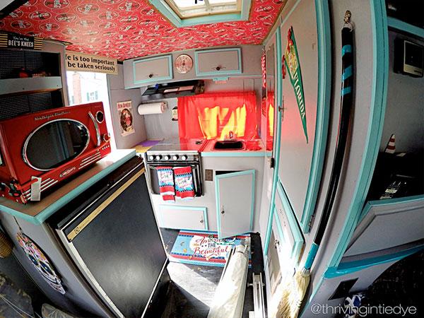 thrivingintiedye.com RV road trip travel blog