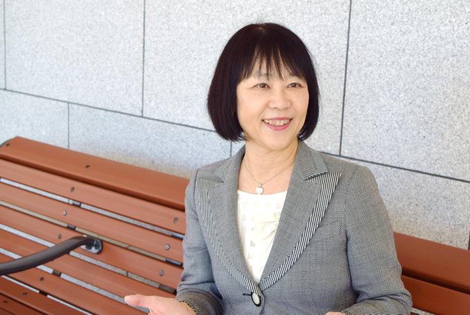 子供の日本語の語彙力が英語力にも関係してくるという調査結果について語る 玉川大学 佐藤久美子教授