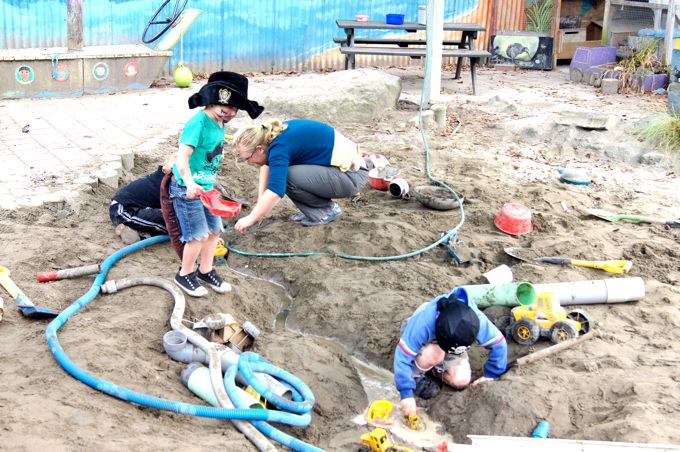 多文化社会のニュージーランドでは、子供達は毎日たくさんの「Why?」に囲まれて暮らしています。