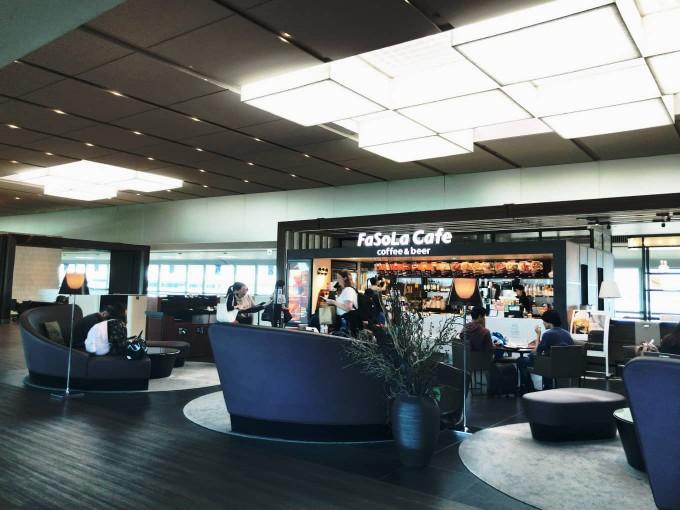 「成田空港第2ターミナル」のカフェ