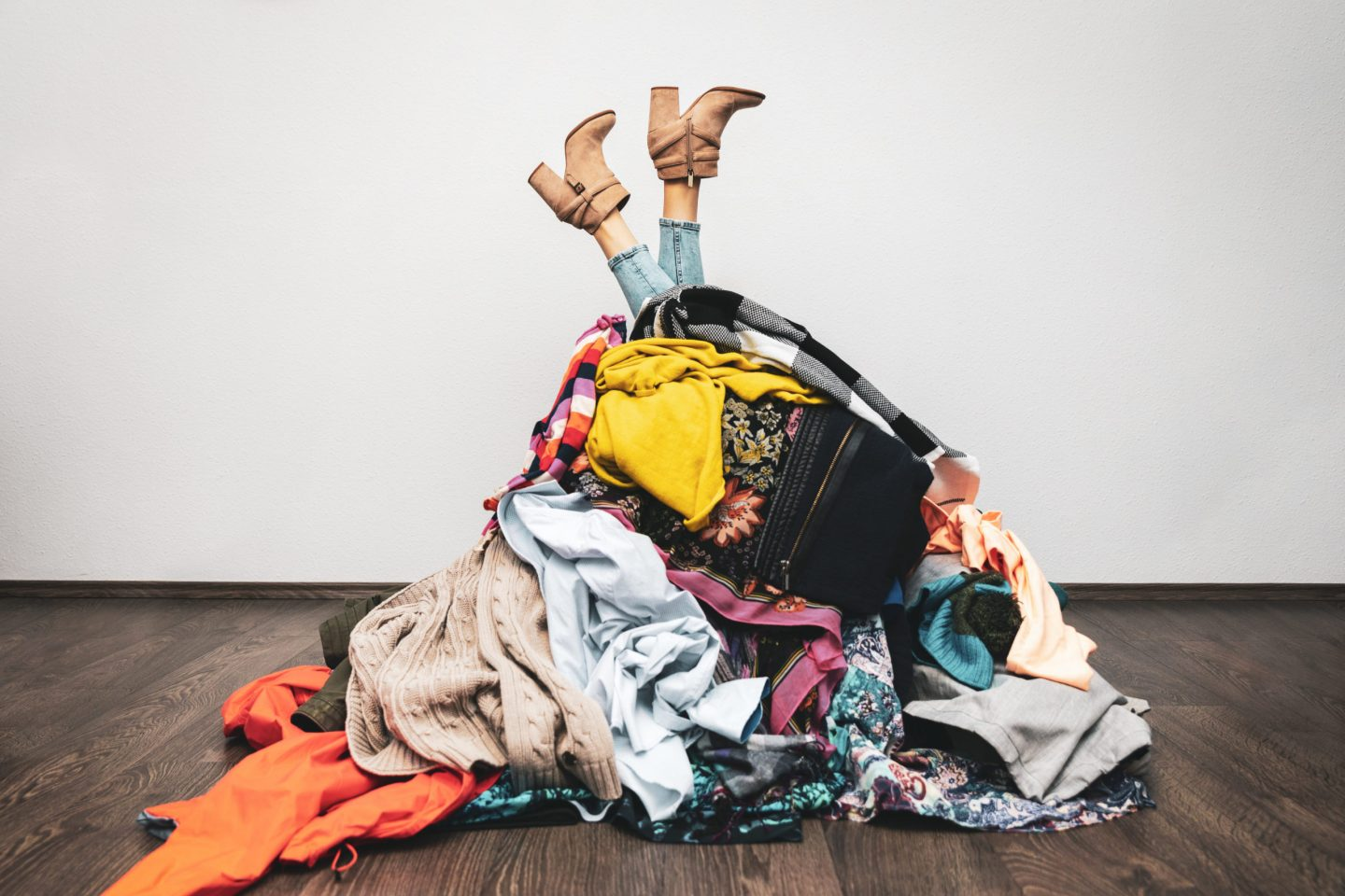 How To Be Stylish On A Budget: Top 10 Smart Ways To Save Money On Clothes