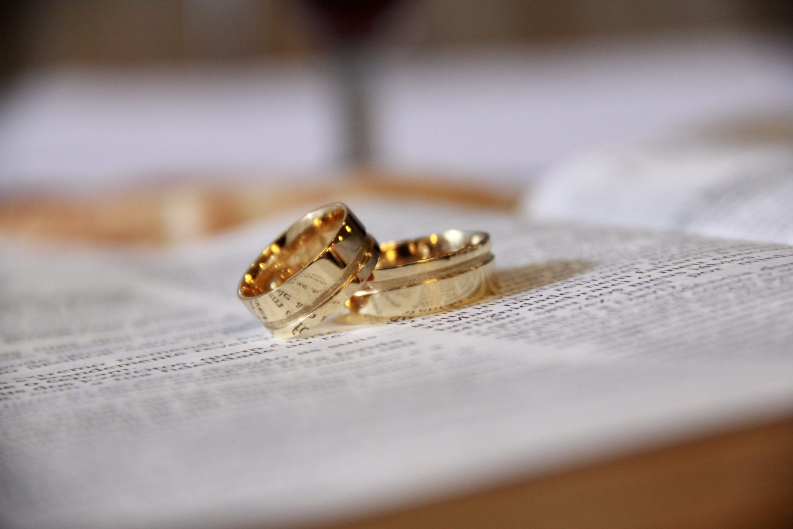 How To Buy Gold Jewelry: A Helpful Guide To Colors, Karats & Coatings
