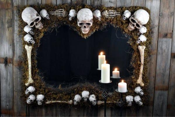 DIY Haunted Skeleton Mirror