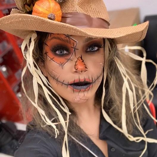 Halloween makeup by @glamorous_liz3