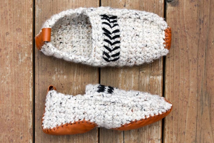 DIY Christmas Gifts For Him: Crochet Slippers via Make And Do Crew
