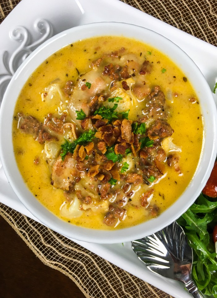 Keto Comfort Food Recipes: Keto Cheeseburger Soup With Cauliflower
