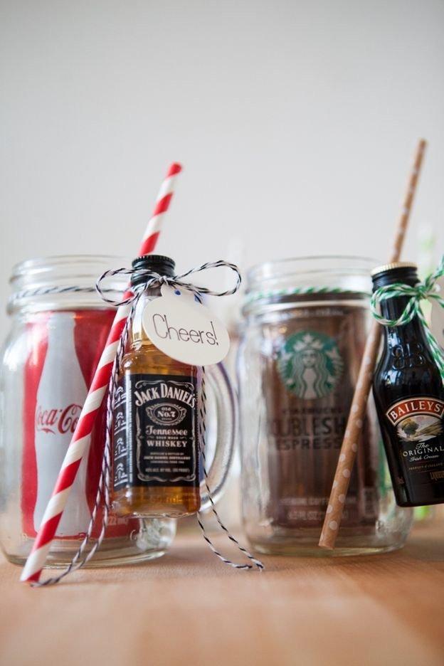 DIY Christmas Gifts For Dad: Mason Jar Cocktail Gifts