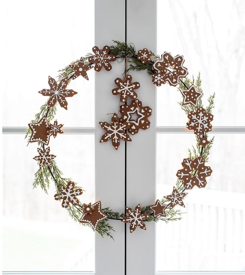 DIY Gingerbread Cookie Christmas Wreath