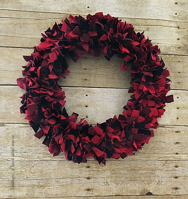 Easy DIY Christmas Rag Wreath