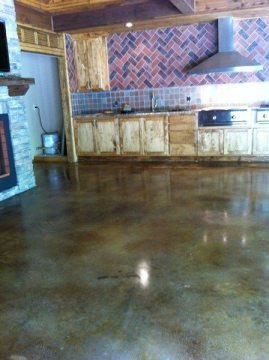 Glossy Floor with Slip Resistant Coating  Are Your Glossy Epoxy Floors Slippery? IMG 1602 Copy