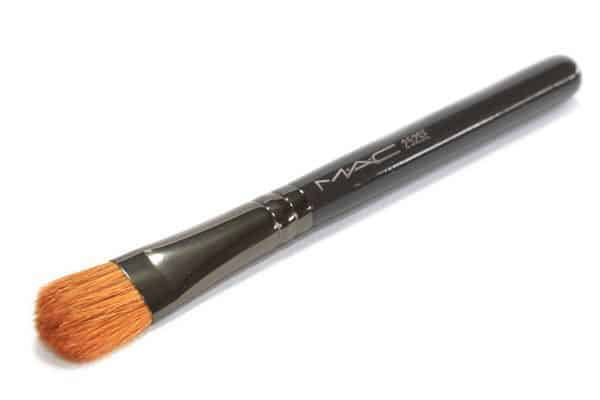 The ULTIMATE Guide to Makeup Brushes 21