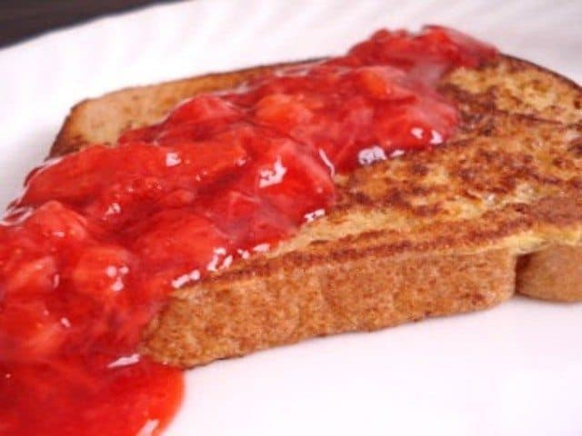 easy home made strawberry sauce recipe 4