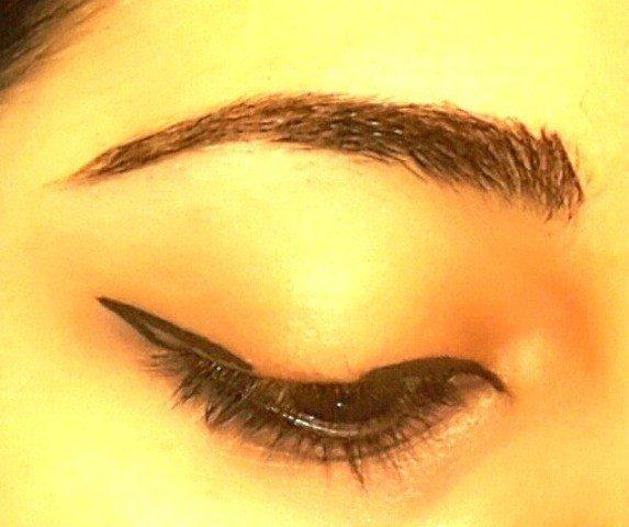 Easy Winged Eye Liner Tutorial 3