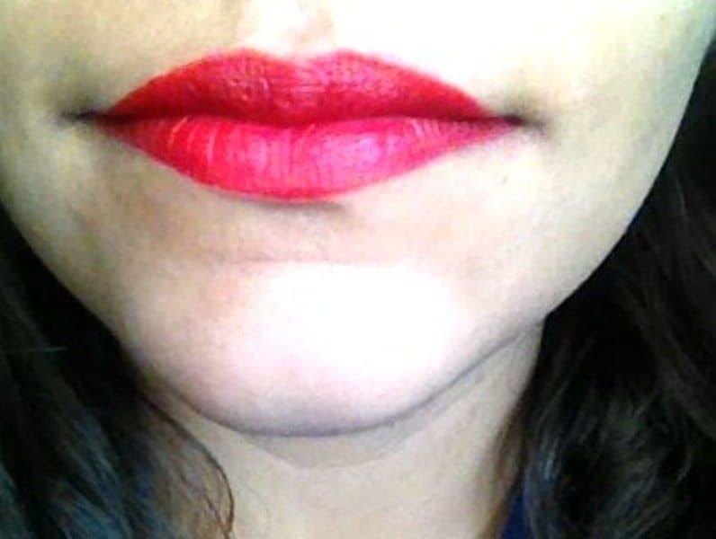 Lakme Absolute Sculpt Studio Hi- Definition Matte Lipstick-Red Flames Review 5