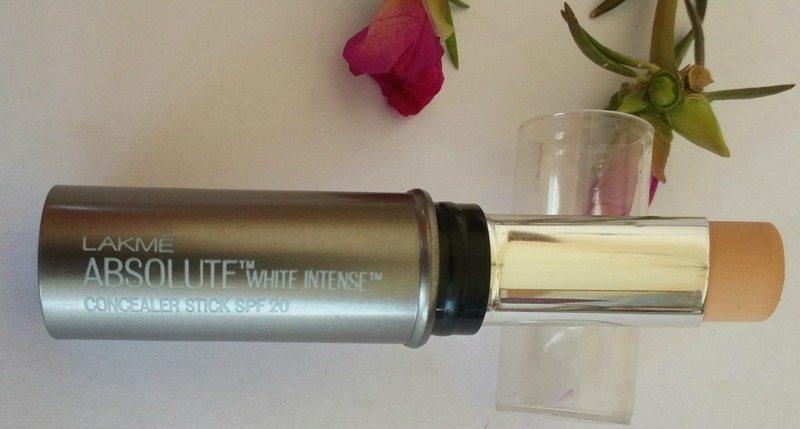 Lakmé Absolute White Intense Concealer Stick SPF 20 1