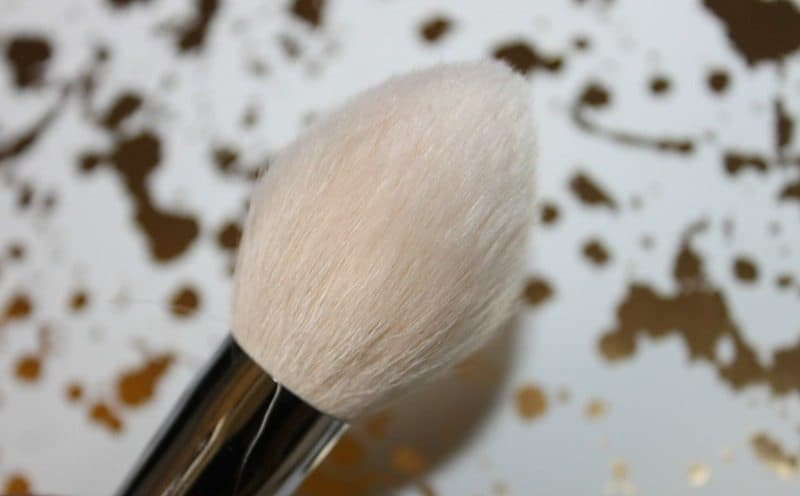 Zoeva Luxe Face Definer Brush 101 Review 3