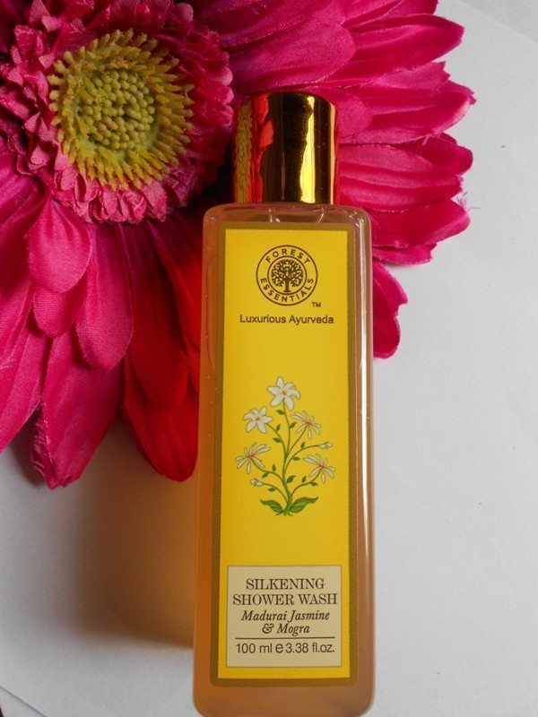 Forest Essential Silkening Shower Wash Madurai Jasmine and Mogra Review