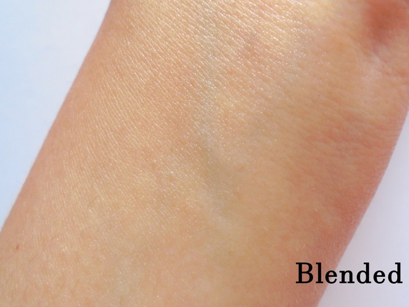 Biotique Bio Almond Soothing & Nourishing Eye Cream Review 4
