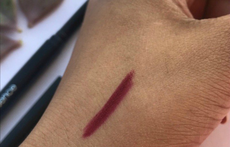 Coloressence Lip Liner Maroon 2