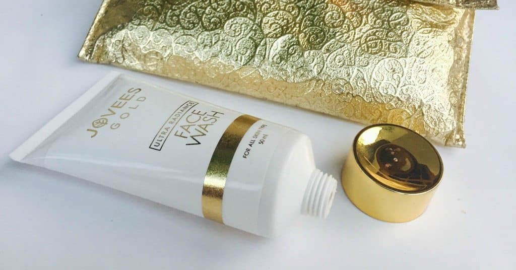 Jovees Gold Ultra Radiance Face Wash Review 2
