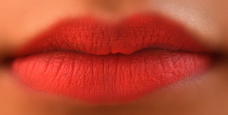 Lakme Absolute Lip Pout Victorian Rose 3