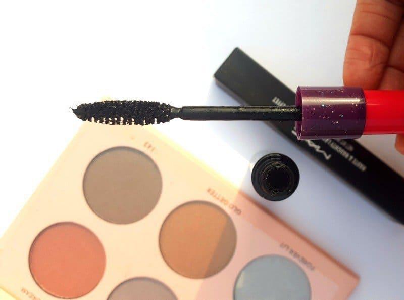 MAC Haute And Naughty Lash Mascara 1