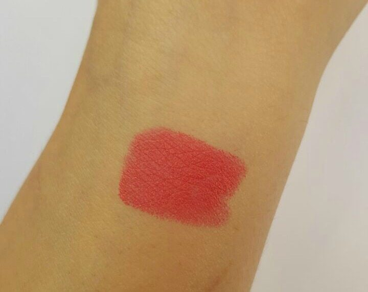 MAC Impassioned Amplified Lipstick Review 2
