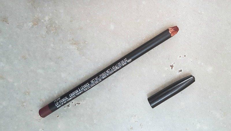 MAC Plum Lip Pencil 1
