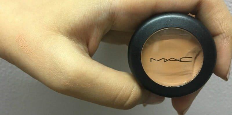 MAC Studio Finish Concealer SPF 35 3