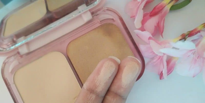 Maybelline Clear Glow All In One Fairness Compact Powder 3