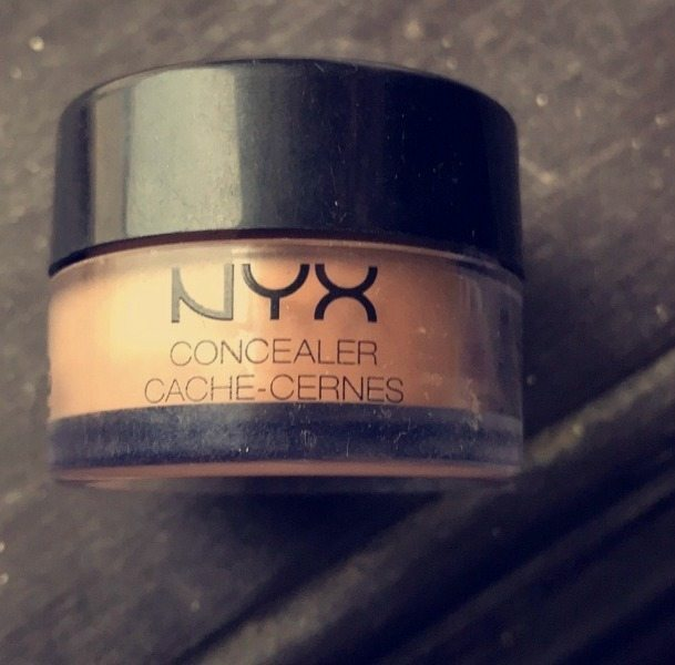 NYX Above and Beyond Full Coverage Concealer 3
